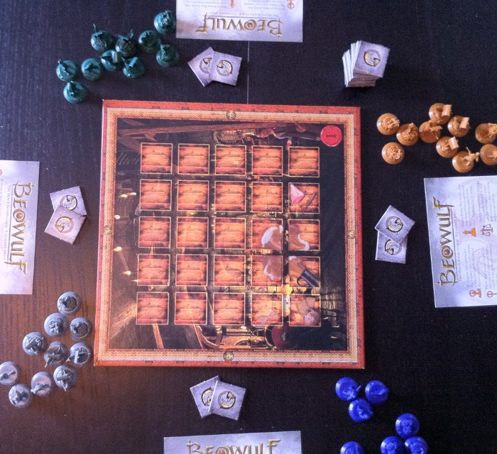 Beowulf: The Movie Board Game sat op og klar til spil.